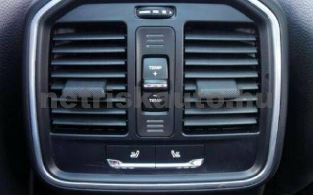 Macan személygépkocsi - 1984cm3 Benzin 106269 12/12