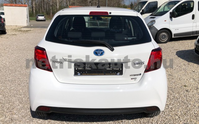TOYOTA Yaris 1.5 HSD Active e-CVT személygépkocsi - 1497cm3 Hybrid 81435 4/12