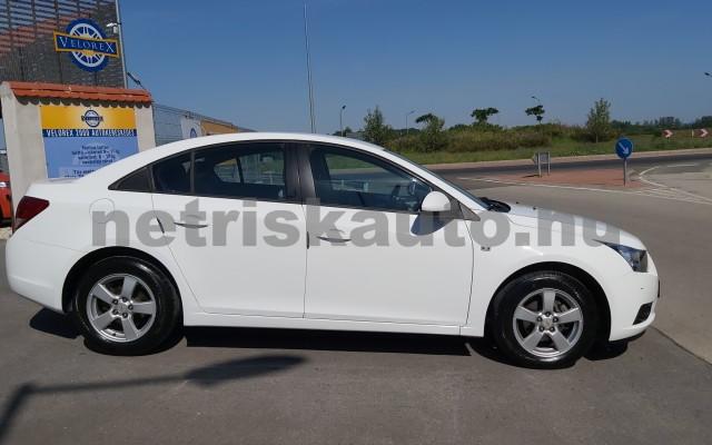 CHEVROLET Cruze 1.6 LS személygépkocsi - 1598cm3 Benzin 47430 4/12
