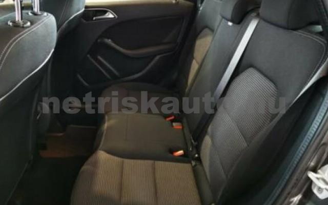 MERCEDES-BENZ B 220 személygépkocsi - 2143cm3 Diesel 105749 11/12