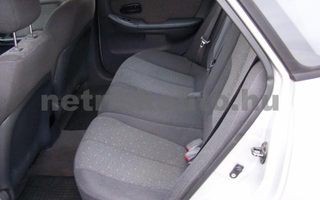 HYUNDAI Elantra 2.0 CRDi GLS Style személygépkocsi - 1991cm3 Diesel 44746 8/12
