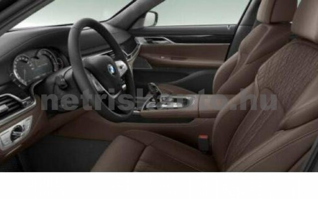 BMW 730 személygépkocsi - 2993cm3 Diesel 109987 2/3