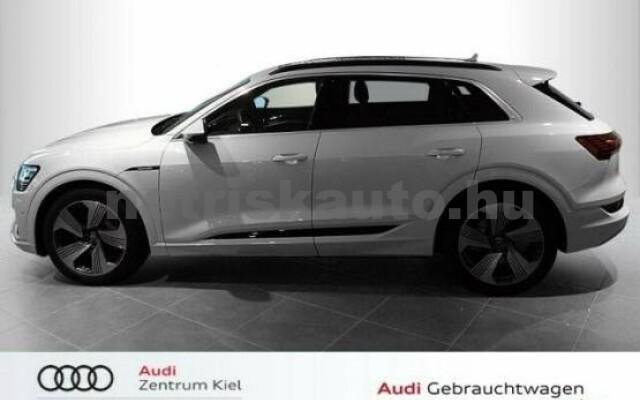 AUDI e-tron személygépkocsi - 2000cm3 Kizárólag elektromos 42574 3/7
