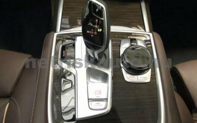 BMW 740 személygépkocsi - 2998cm3 Benzin 109979 11/12