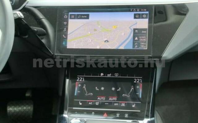 AUDI e-tron személygépkocsi - 2000cm3 Kizárólag elektromos 42575 7/7
