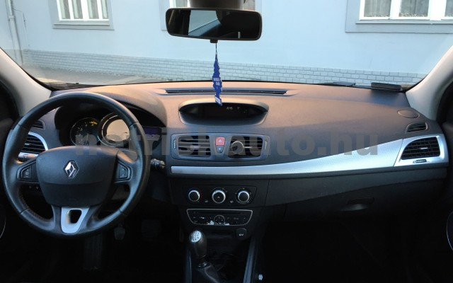 RENAULT Mégane 1.9 dCi Dynamique személygépkocsi - 1870cm3 Diesel 27395 7/8