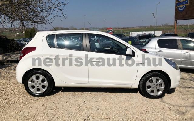 HYUNDAI i20 1.25 DOHC Comfort személygépkocsi - 1248cm3 Benzin 42316 9/12