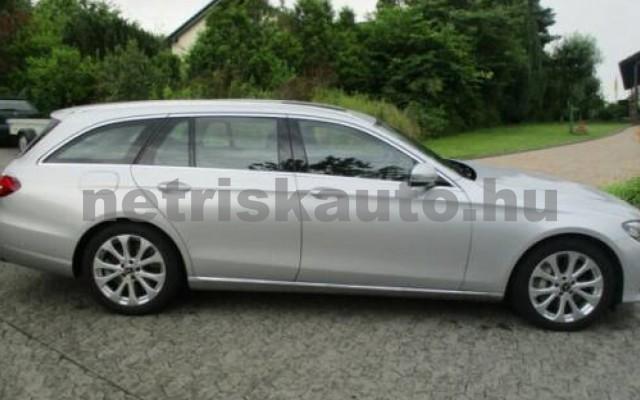 E 400 személygépkocsi - 3498cm3 Benzin 105845 3/12