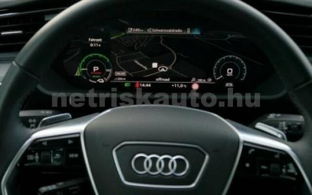 AUDI e-tron személygépkocsi - 2000cm3 Kizárólag elektromos 42577 7/7