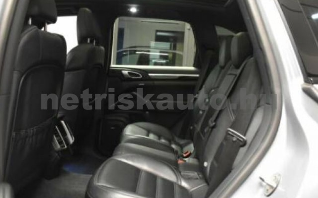 Cayenne személygépkocsi - 4134cm3 Diesel 106290 11/12