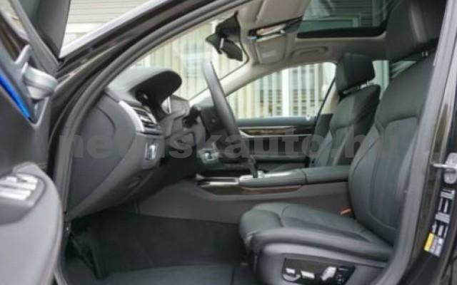 745 személygépkocsi - 2998cm3 Hybrid 105171 9/12