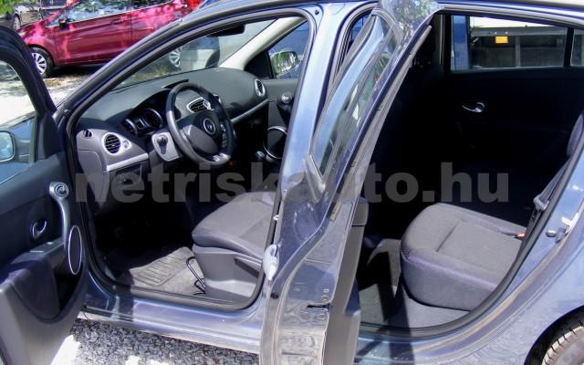 RENAULT Clio 1.6 16V Privilege személygépkocsi - 1598cm3 Benzin 44655 9/12
