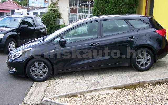 KIA Cee személygépkocsi - 1591cm3 Benzin 49997 2/12