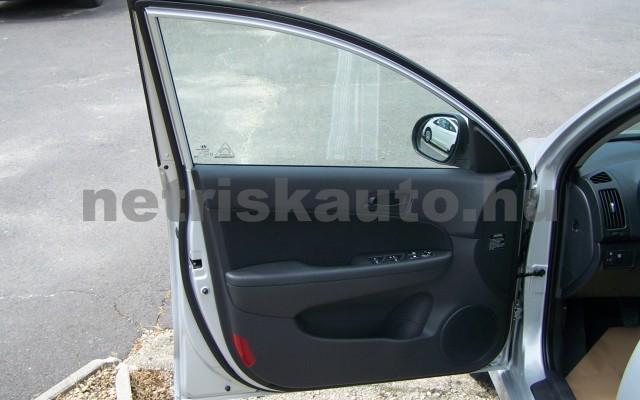 HYUNDAI i30 1.6 CRDi LP Comfort személygépkocsi - 1582cm3 Diesel 93252 11/12