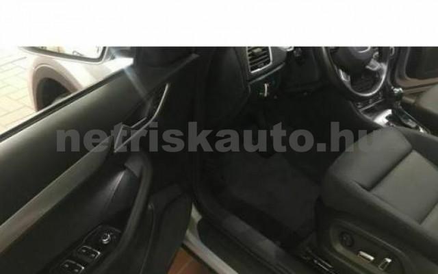 Q3 személygépkocsi - 1968cm3 Diesel 104745 6/12