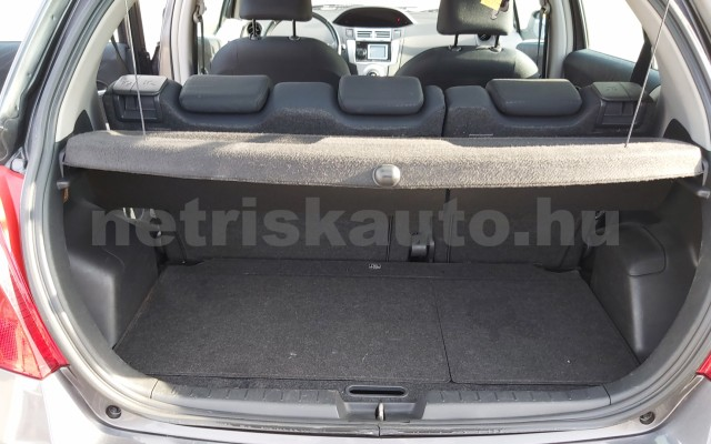 TOYOTA Yaris 1.3 Sol Ice személygépkocsi - 1296cm3 Benzin 52550 10/12