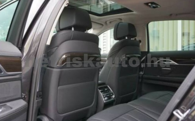 745 személygépkocsi - 2998cm3 Hybrid 105171 12/12