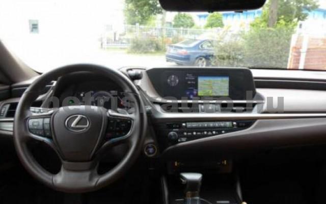 ES 300 személygépkocsi - 2487cm3 Hybrid 105613 9/12