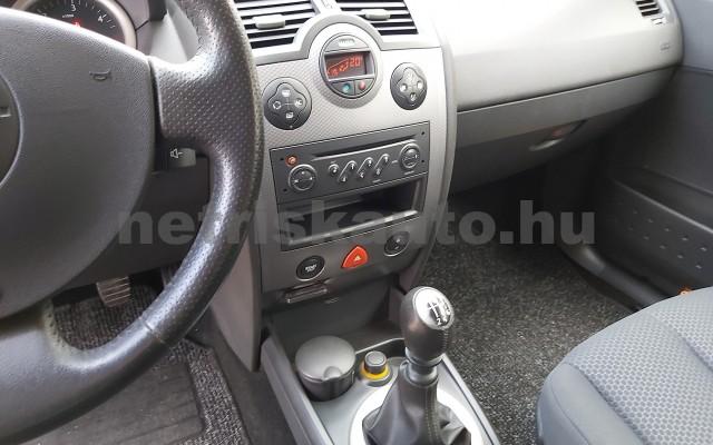 RENAULT Mégane 1.5 dCi Dynamique személygépkocsi - 1461cm3 Diesel 20047 5/12