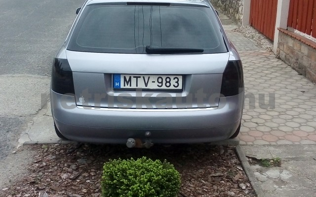 AUDI A4 2.5 V6 TDI személygépkocsi - 2496cm3 Diesel 44672 3/12