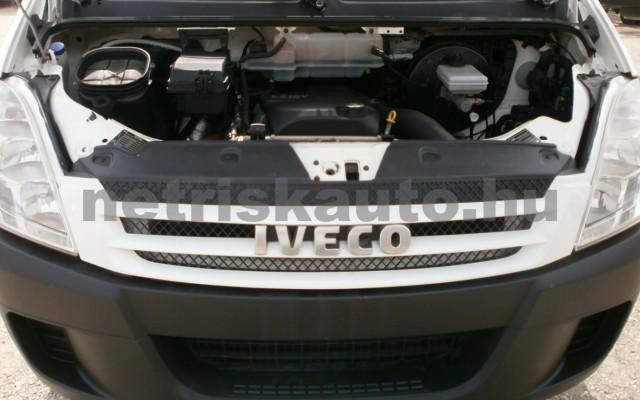IVECO 35 35 C 18 3450 Aut. tehergépkocsi 3,5t össztömegig - 2998cm3 Diesel 44689 6/9