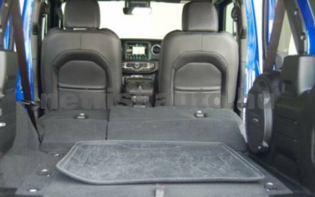Wrangler személygépkocsi - 1995cm3 Benzin 105510 7/11