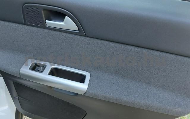 VOLVO S40 2.0 Momentum személygépkocsi - 1999cm3 Benzin 52507 12/28