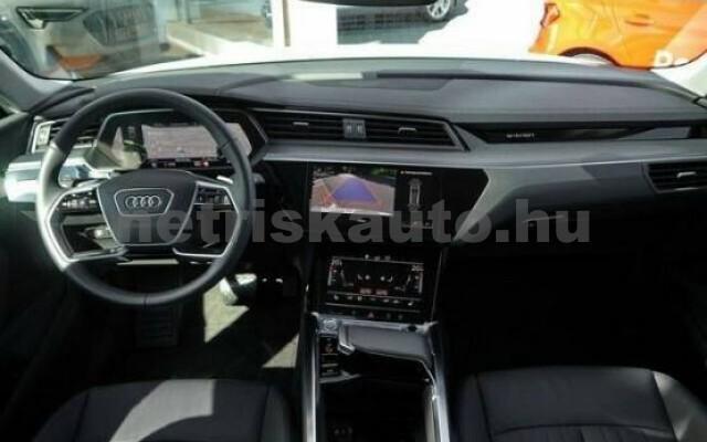 AUDI e-tron személygépkocsi - 2000cm3 Kizárólag elektromos 42582 4/7