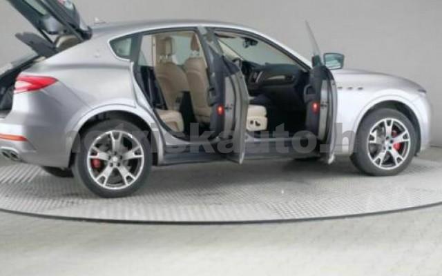Levante személygépkocsi - 2987cm3 Diesel 105684 3/9