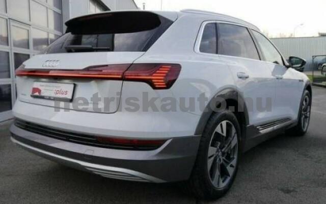 AUDI e-tron személygépkocsi - 2000cm3 Kizárólag elektromos 42577 3/7