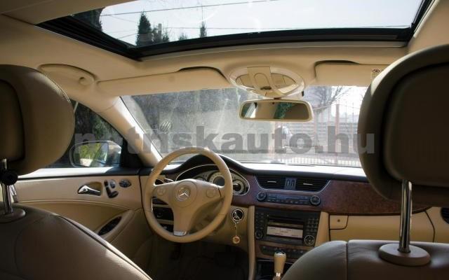 MERCEDES-BENZ CLS-osztály CLS 320 CDI Aut. személygépkocsi - 2987cm3 Diesel 14243 4/5