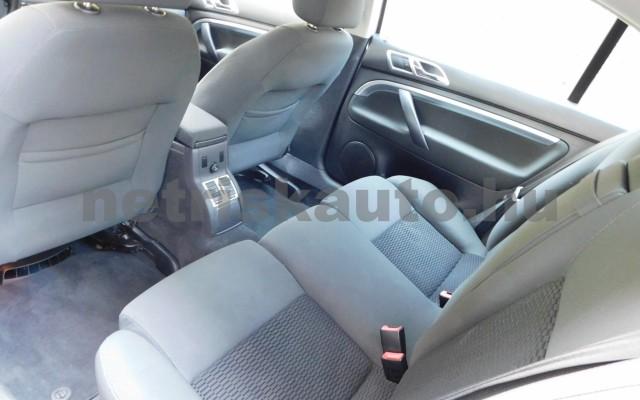 SKODA Superb 2.0 Comfort személygépkocsi - 1984cm3 Benzin 98277 10/12