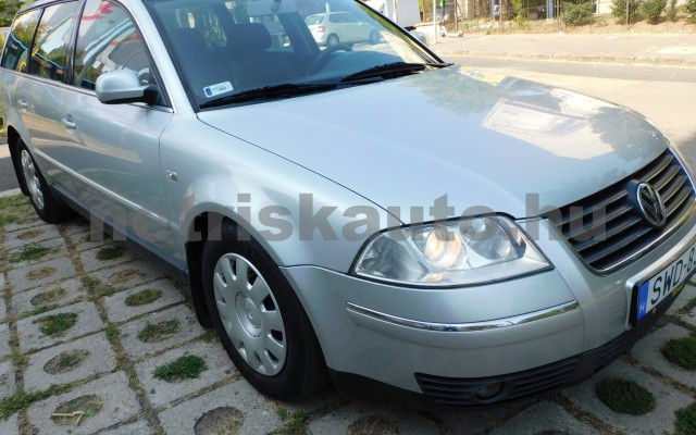VW Passat 1.9 PD TDI Highline személygépkocsi - 1896cm3 Diesel 106511 2/12