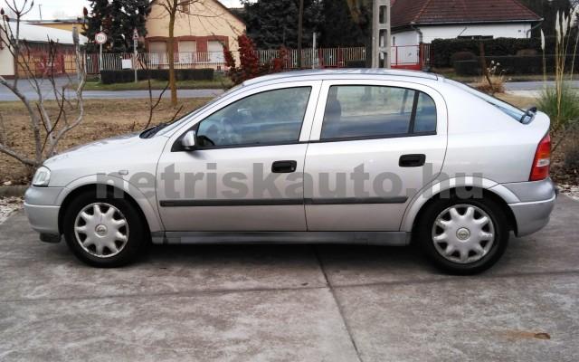 OPEL Astra 1.4 16V Club személygépkocsi - 1388cm3 Benzin 27701 6/12