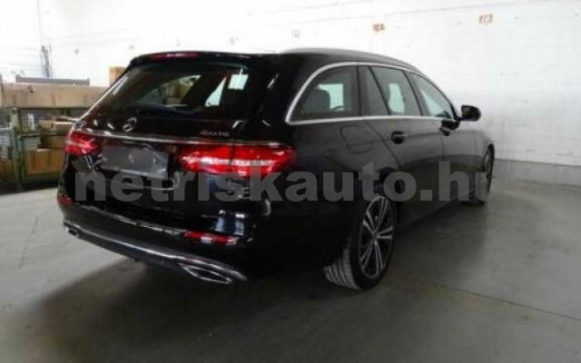 E 400 személygépkocsi - 2925cm3 Diesel 105867 2/12