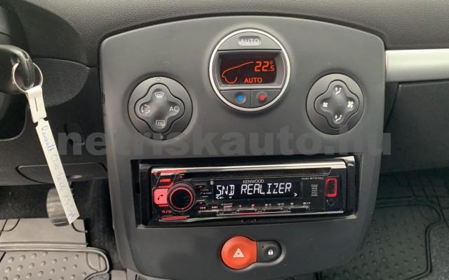 RENAULT Clio 1.4 16V Dynamique személygépkocsi - 1390cm3 Benzin 106537 12/29