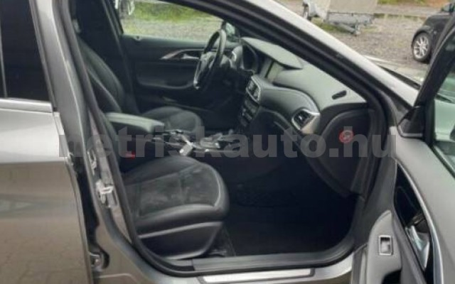 INFINITI Q30 személygépkocsi - 1991cm3 Benzin 110372 9/12