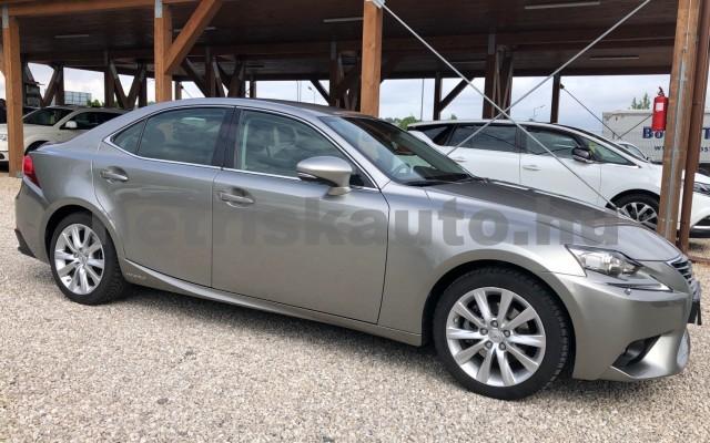 LEXUS IS IS 300h Comfort&Navigation Aut. személygépkocsi - 2494cm3 Hybrid 89139 6/12