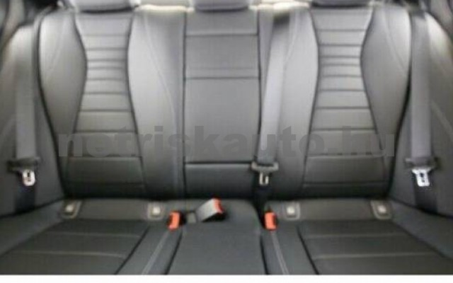 E 400 személygépkocsi - 2925cm3 Diesel 105864 6/8