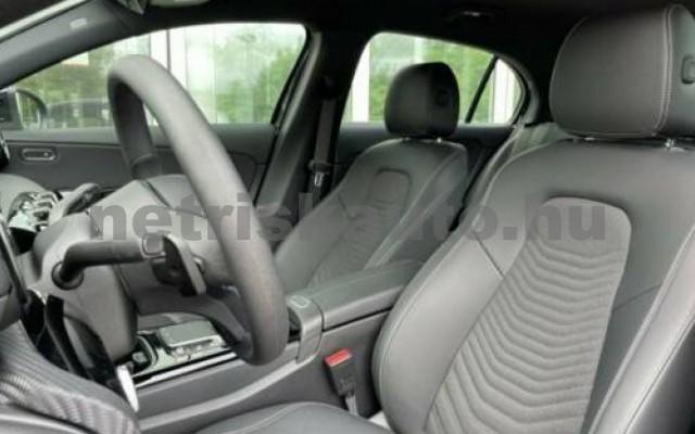 A 220 személygépkocsi - 1991cm3 Benzin 105720 9/12