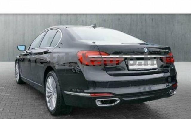 BMW 740 személygépkocsi - 2998cm3 Benzin 110015 4/12