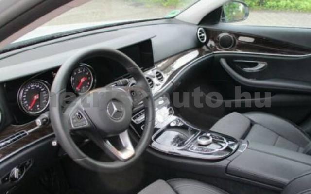 E 400 személygépkocsi - 3498cm3 Benzin 105845 8/12