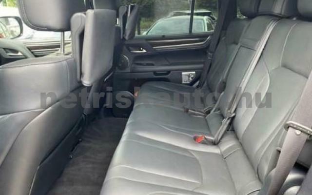 LEXUS LX 570 személygépkocsi - 5663cm3 Benzin 110687 10/12