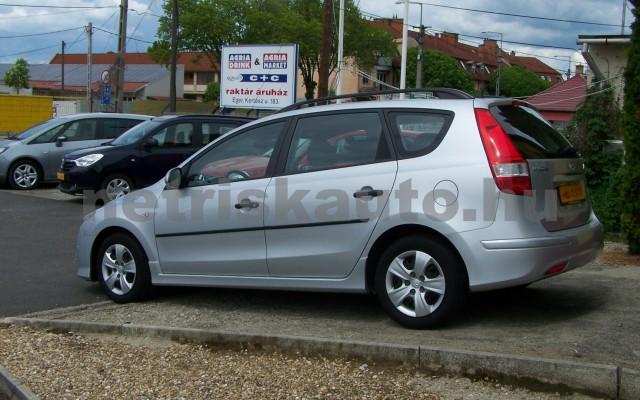 HYUNDAI i30 1.6 CRDi LP Comfort személygépkocsi - 1582cm3 Diesel 93252 4/12
