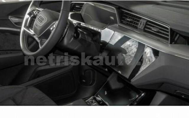 e-tron személygépkocsi - cm3 Kizárólag elektromos 104957 4/10