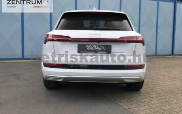 AUDI e-tron személygépkocsi - 2000cm3 Kizárólag elektromos 42580 5/7