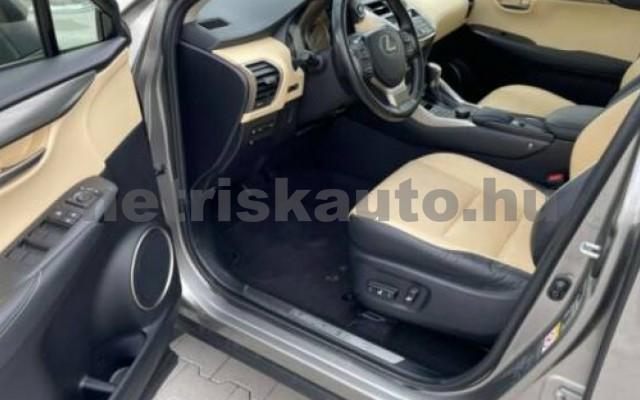 NX 300 személygépkocsi - 2494cm3 Hybrid 105677 10/12