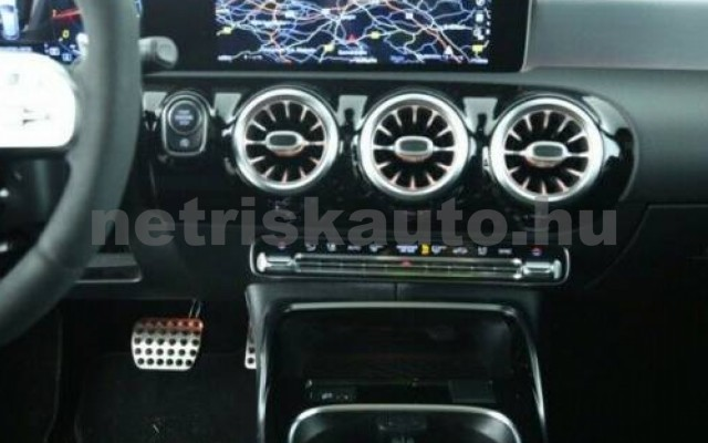 A 45 AMG személygépkocsi - 1991cm3 Benzin 105734 6/9