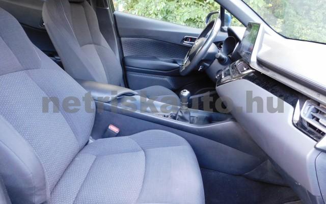 TOYOTA C-HR 1.2T Active (ülésfűtéssel) személygépkocsi - 1197cm3 Benzin 104536 9/12