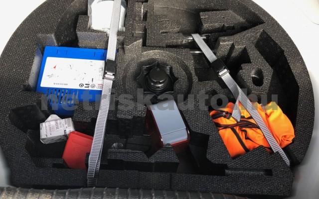VW Golf 1.6 TDI BMT Trendline személygépkocsi - 1598cm3 Diesel 106552 12/12